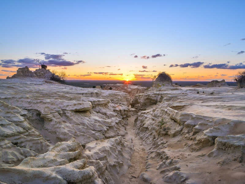 Full Moon Tour of Mungo National Park